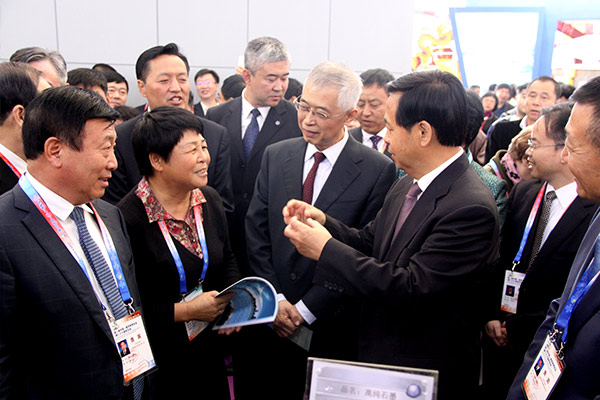 Wang Xiankui, Secretary of the provincial Party committee of Heilongjiang Province, to the guidance of the exhibition of oru